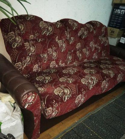 Диван с креслом .