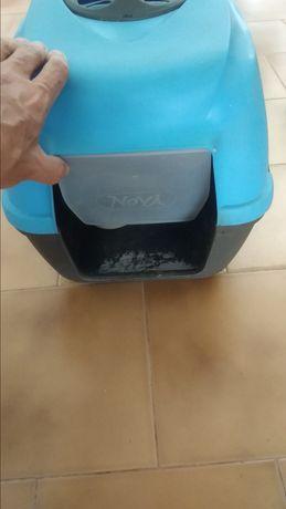 WC / Caixa de areão para gatos.