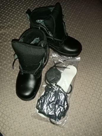 Продам удобные военные ботинки 38 размера