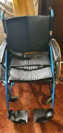 Wózek inwalidzki nowy.