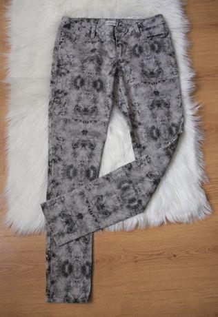 Clockhouse C&A rurki spodnie mozaika print punk gothic wzór