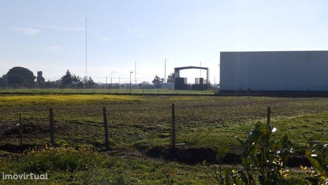 Terreno com Moradia T3 no Porto Alto  (PALT105)