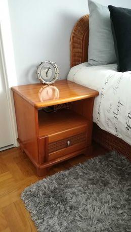 szafka nocna stolik sosnowa rattan drewno boho połysk