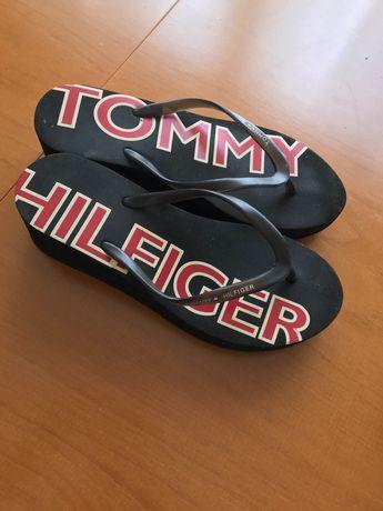 Chinelos da Tommy Hilfinger