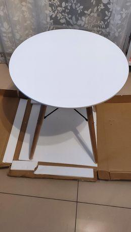 Nowy śliczny stolik do sprzedania średnica blatu 60 cm wysokość 72 cm