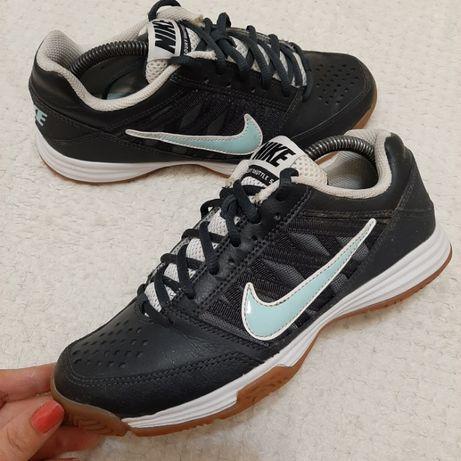 р.37-38, Nike качественные кроссовки бампы футзалки