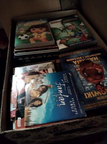 Karton filmów DVD dla dzieci i dorosłych