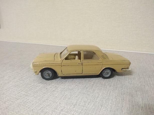 Модель 1:43 автомобиля Волга м24-01