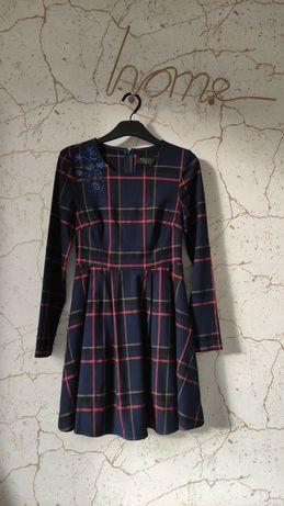 Mohito sukienka w kratkę z aplikacją NOWA