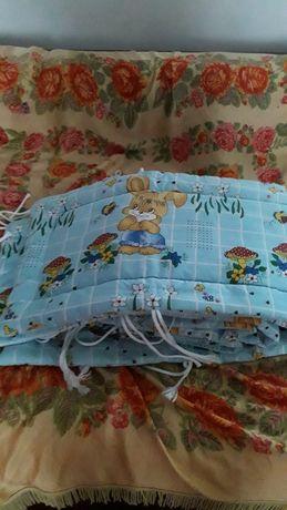 Продаю защиту на детскую кроватку