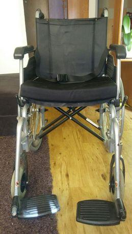 Wozek inwalidzki.