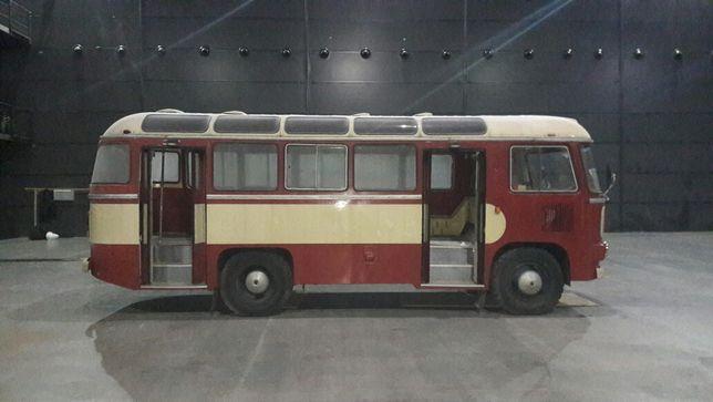 Автобус ретро ПАЗ-672