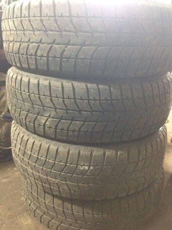 Комплект зимних шин Bridgestone 225/60r18