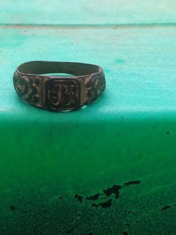 Перстень бронзовый