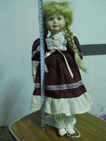 Boneca em louça (coleção)