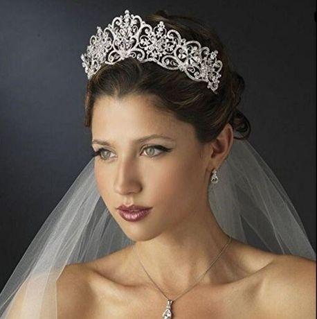 Tiaras Coroas travesas para Noivas Rossy Noivas. *Beja*