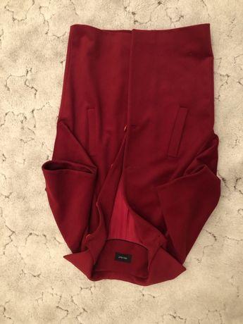 Женское красное пальто