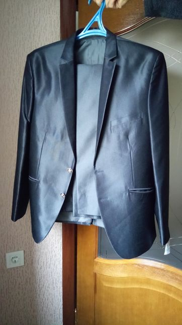 Продам мужской брючный костюм фирмы Bernardo.