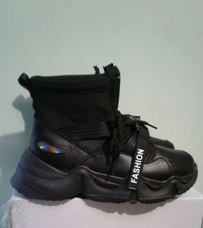 Жіночі зимові черевички