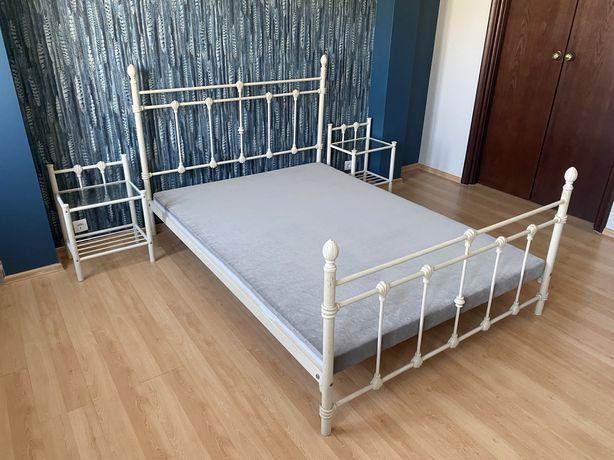 Łóżko 140x200 plus dwie szafki nocne i nowy stelaż