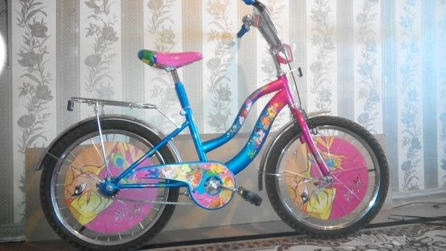 Детский велосипед от 5 до 10 лет Azimut Винкс 20 дюймов.