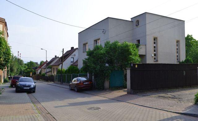 Połowa domu z ogrodem i mieszkaniem 100 m, łatwy dojazd do centrum