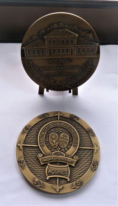 """Medalha""""Santa Casa da Misericórdia de Angra do Heroísmo"""" São Pedro - imagem 1"""
