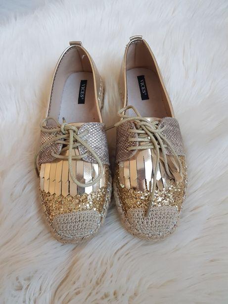 Złote buty r. 36