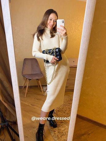 Платье молочного цвета очень теплое!