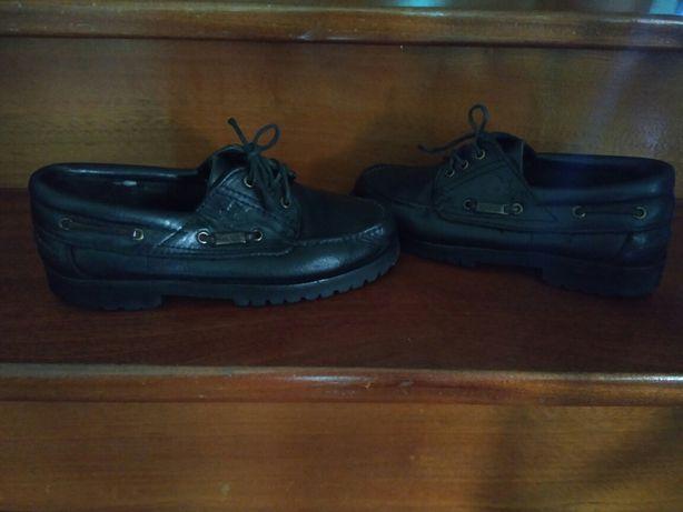 Sapatos n. 39.