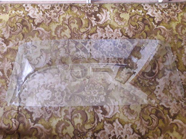 Продам стекло лобовое на москвич 2140