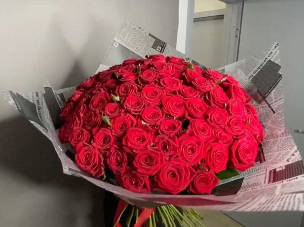 Эффектный Букет 101 Красная роза Гран При, Доставка Цветов,СУПЕР ЦЕНА!