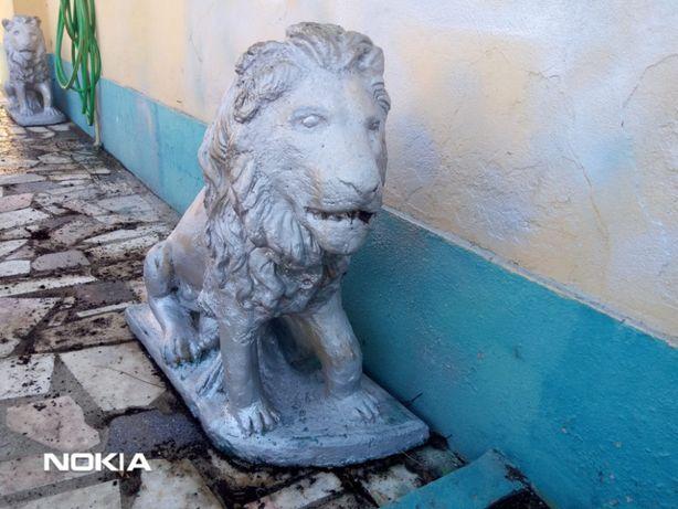 Conjunto De 2 Estátuas de Leões em Betão/Cimento para Jardim