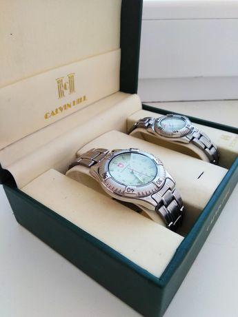 Наручные часы женские и мужские в подарочном наборе