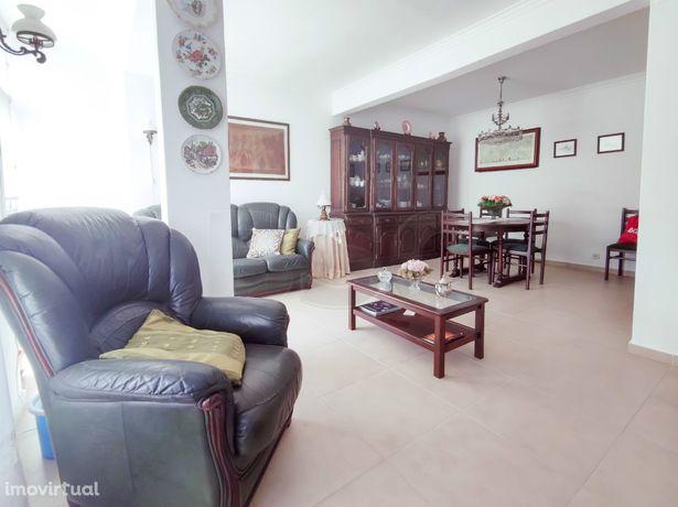 Apartamento T2 à venda em Caxias