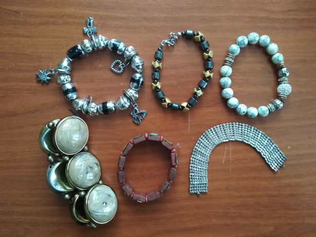 Biżuteria - bransoletki * cena za wszystko