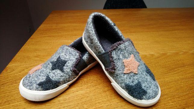 Zara 25 rozm.  buty trampki kapcie jak nowe szare gwiazdki