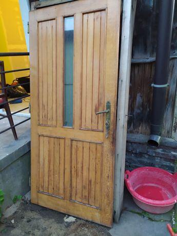 Drzwi drewniane z oscieżnicą