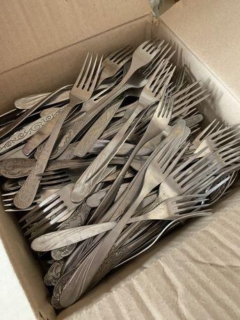 Столовые приборы вилки/ножи