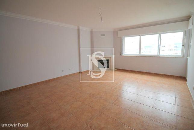 Apartamento T2 em Cavaleira