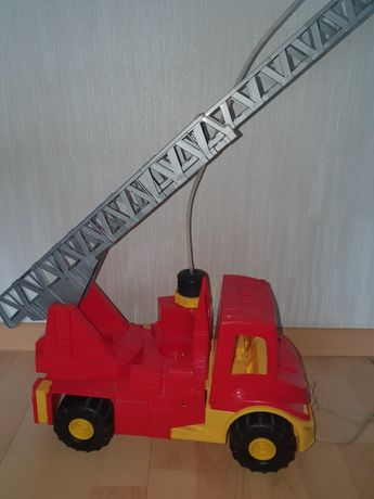 Wader Большая пожарная машина с помпой.