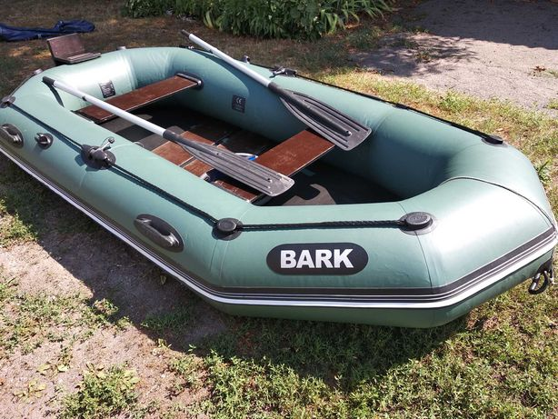 Отличная трехместная ПВХ лодка БАРК