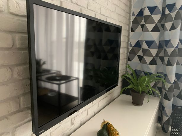 Telewizor LED TOSHIBA 40L2456, 40 cali