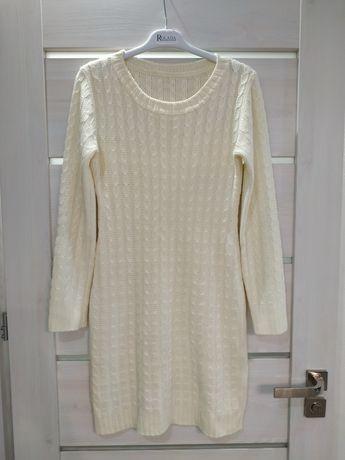 Вязаное платье молочного цвета