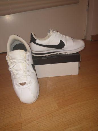 Nike Cortez  biało -czarne rozmiar 37