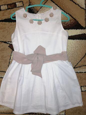 Платье , девочка в хорошем состоянии и мальчик 5,9 лет
