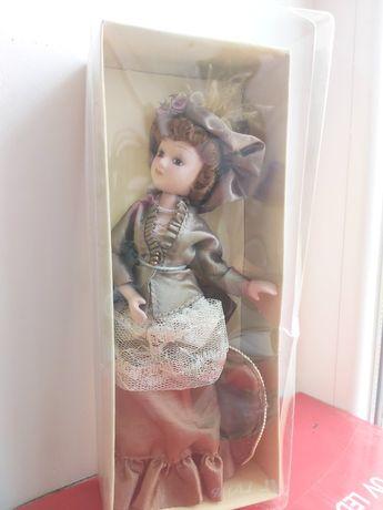 Кукла в винтажной стиле