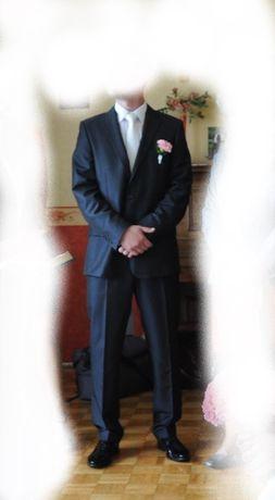 Garnitur Dino Salvani slim  176/100/86 + biały krawat