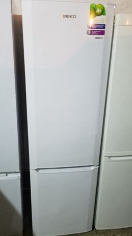 Двухкамерный холодильник Beko CS331020
