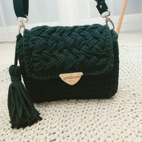Piękna torebka handmade na szydełku butelkowa zieleń